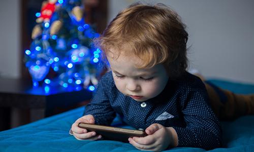 미디어 시청량이 아이의 뇌를 변화시킨다
