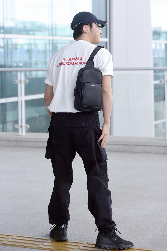 변요한 공항패션 (11).jpg