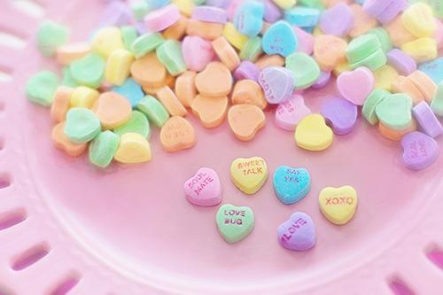 valentine-candy-626446_1920.jpg