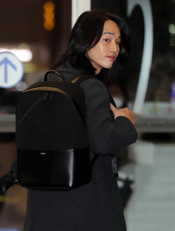[공항패션] 양세종 남자 백팩은 질스튜어트 액세서리 가방