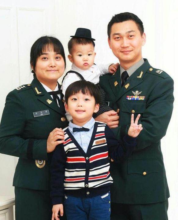 군인부부.JPG