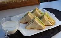 아침식사대용 달걀토스트샌드위치