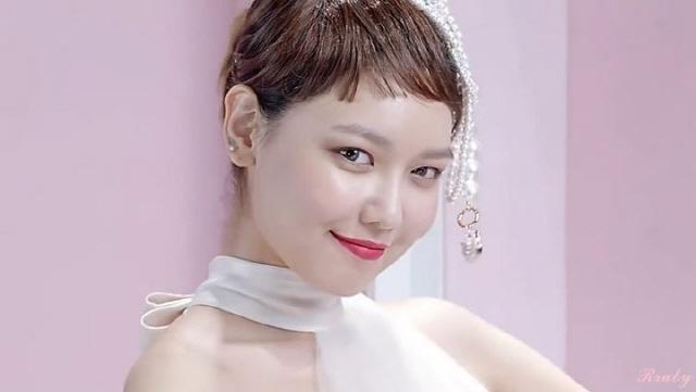 소녀시대 수영 화장품 광고.jpg