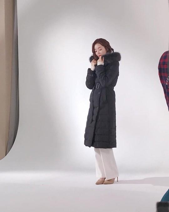소이현 패딩 광고하나 보네요.