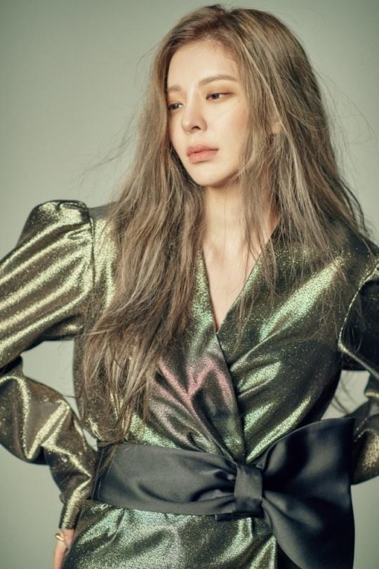 장재인 미니앨범 B컷공개