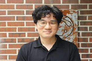 장강명 작가, 오늘밤 김제동 패널 합류