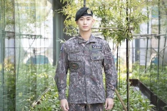 7월1일 만기전역 예정인 배우 김수현