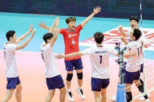 한국 남자배구가 한일전 승리했네요.