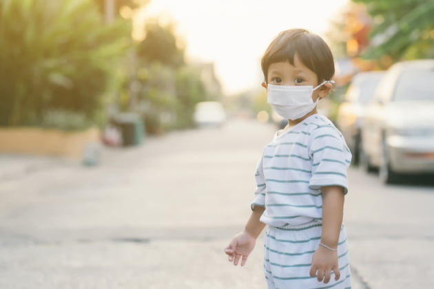 아이가 마스크를 불편해하고 거부한다면?
