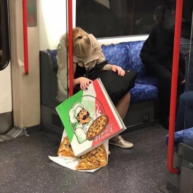 지하철에서 잠들면 안 되는 이유 ㅠㅠ
