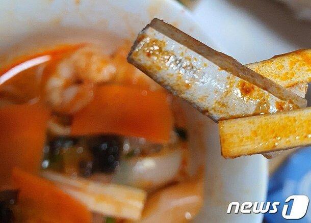 광주 서구 중국집 배달 짬뽕에서 나온 담배꽁초
