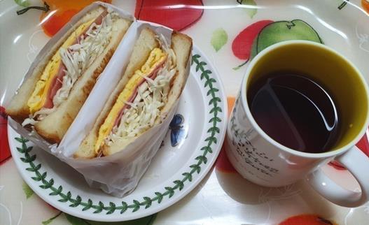 커피랑 샌드위치는