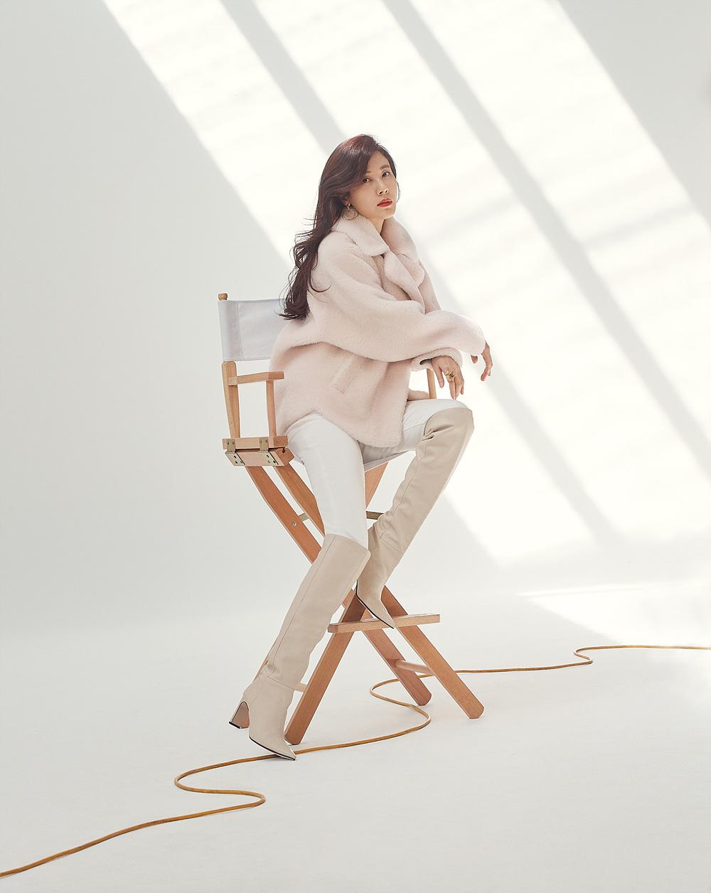 김하늘 퍼스트룩 화보 속 코트 넘 이뽀요..♥