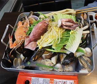 싱싱한 조개, 얼큰한 국물의 진주 하대동 맛집 바다품은식당