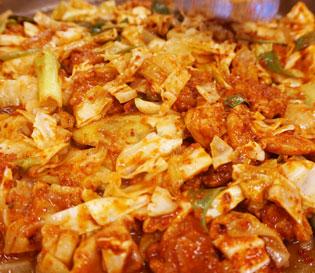 대구 동성로에서 맛본 오랜 전통이 있는 <춘천닭갈비>