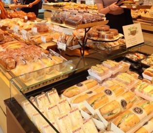 동탄역 빵집 하얀풍차제과점 동탄역점 무궁무진한 빵이 있는곳!