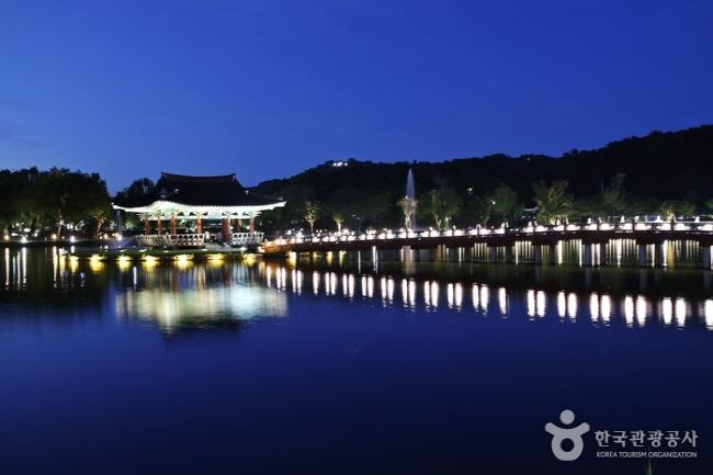 서동공원과 궁남지5.jpg