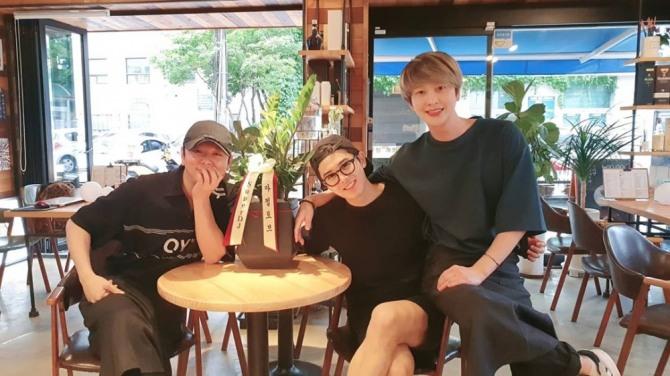 하민우, ZE:A 문준영-김동준과 여전한 우정 자랑