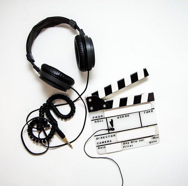 /article/thumbnail.asp?thumb=headphones%2D4223911%5F640%2Ejpg