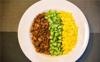 삼색소보로 덮밥