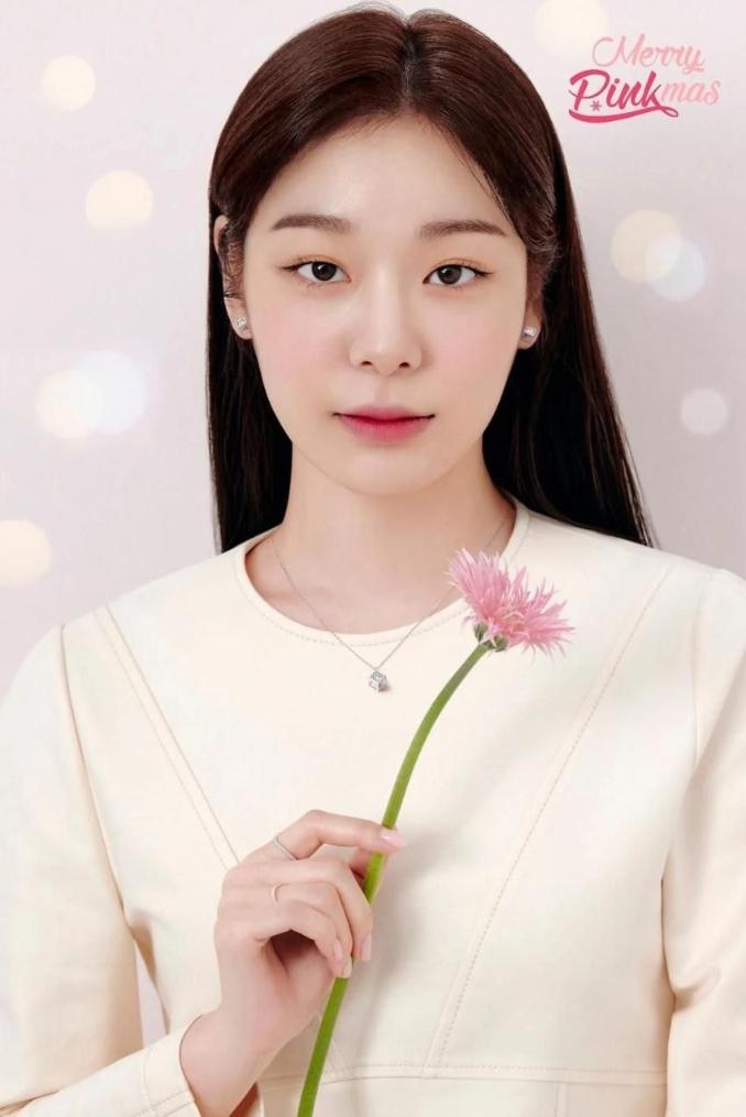 제이에스티나 새 화보찍은 김연아
