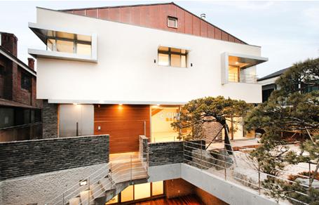 친환경적인 느낌의 평창동주택