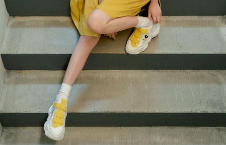 구구단 미나가 신은 디즈니 스니커즈!